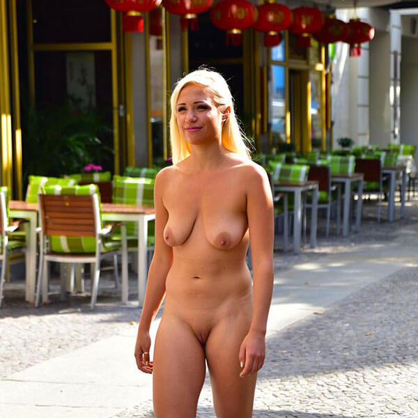 Gabi Gold Nackt